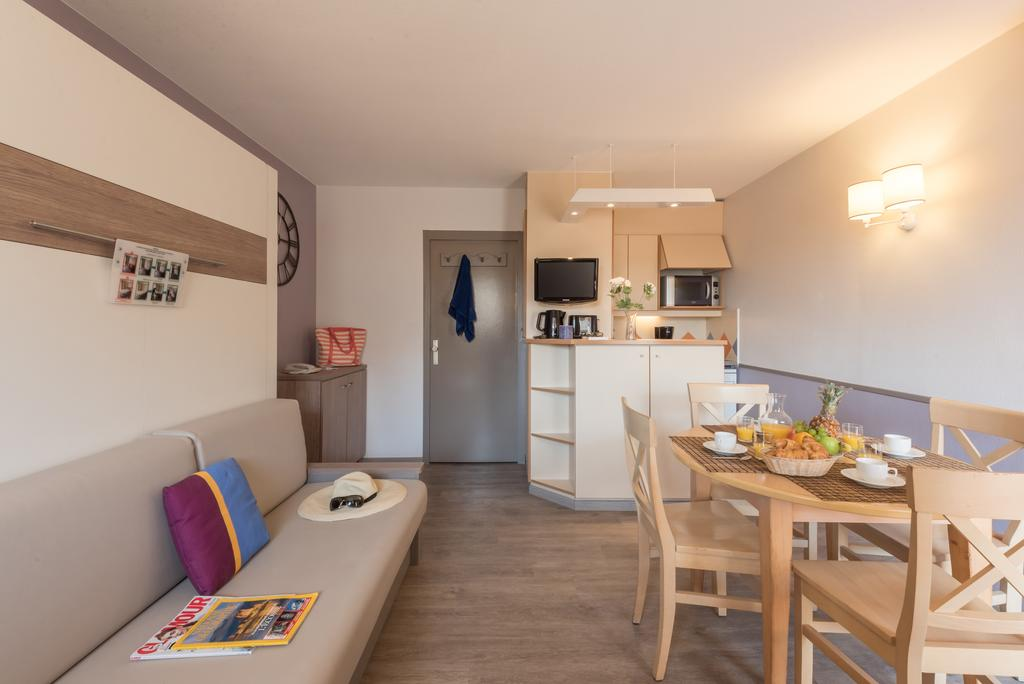 hotel saint raphael r sidence pierre vacances la promenade des. Black Bedroom Furniture Sets. Home Design Ideas